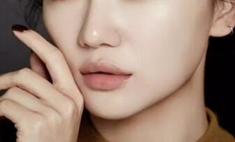 做硅胶隆鼻的优势特点