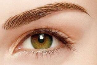 女性在这些时候不能做双眼皮手术