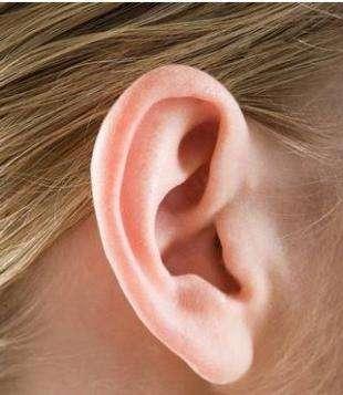 玻尿酸注射丰耳垂展现富